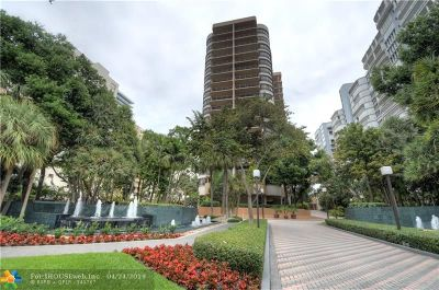 Bal Harbour Condo/Townhouse For Sale: 10175 Collins Ave #PH6