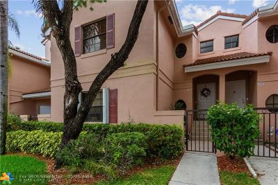 Pembroke Pines Condo/Townhouse For Sale: 301 SW 158th Ter #204