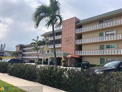 Deerfield Beach Condo/Townhouse For Sale: 941 Crystal Lake Dr #210