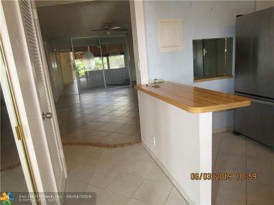 Sunrise Condo/Townhouse For Sale: 2731 N Pine Island Rd #201