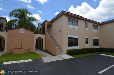 Miami Gardens Condo/Townhouse For Sale: 18216 Mediterranean Blvd #4
