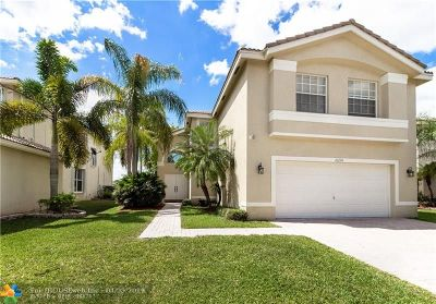 Miramar Single Family Home For Sale: 16230 SW 29th St