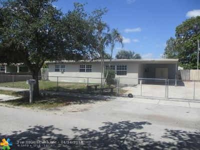 Lauderhill Single Family Home For Sale: 140 NW 33rd Ave