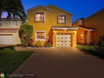 Margate Single Family Home For Sale: 6209 Mohawk Ter