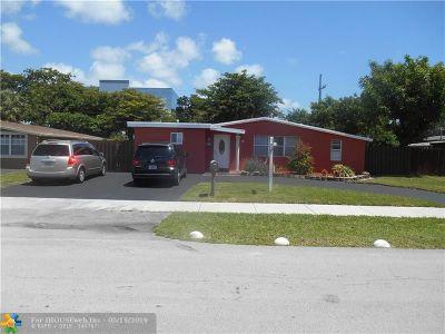 Oakland Park Single Family Home For Sale: 821 NE 61st St