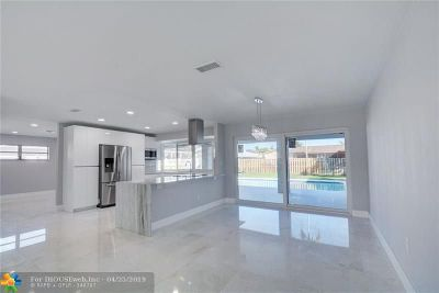 Hollywood Single Family Home For Sale: 3741 N 54th Ave