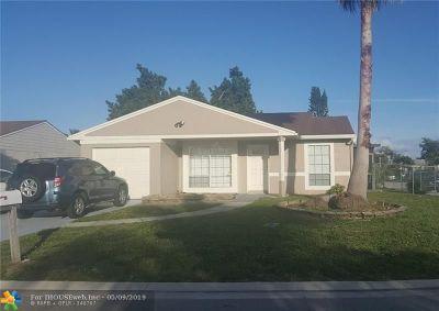 Boca Raton Single Family Home For Sale: 8288 Barnyard Way