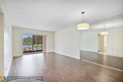 Coral Springs Condo/Townhouse For Sale: 4153 NW 90th Ave #207
