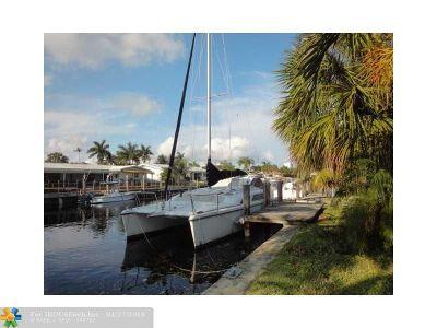 Pompano Beach Single Family Home For Sale: 2225 SE 11th St