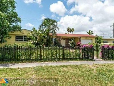 North Miami Beach Single Family Home For Sale: 1910 NE 185th Ter