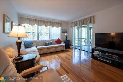 Pompano Beach Condo/Townhouse For Sale: 2302 S Cypress Bend Dr #307B