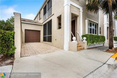 Coral Springs Condo/Townhouse For Sale: 10513 NW 57th Ct #10513