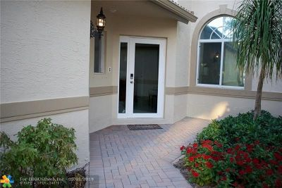 Davie Condo/Townhouse For Sale: 5071 W Madison Lakes Cir