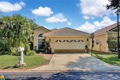 Coral Springs Single Family Home For Sale: 8307 NW 57 Drive
