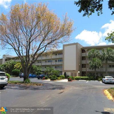 Coconut Creek Condo/Townhouse For Sale: 3303 Aruba Way #J4