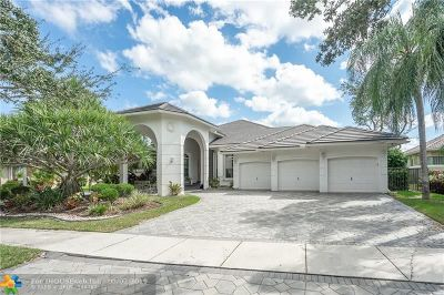 Weston Single Family Home For Sale: 144 Dockside Cir