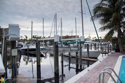 Pompano Beach FL Condo/Townhouse For Sale: $235,000