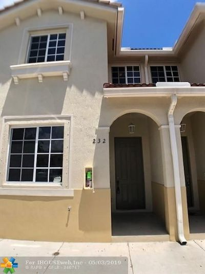 Miami Gardens Condo/Townhouse For Sale: 21109 NW 14th Pl #2-32