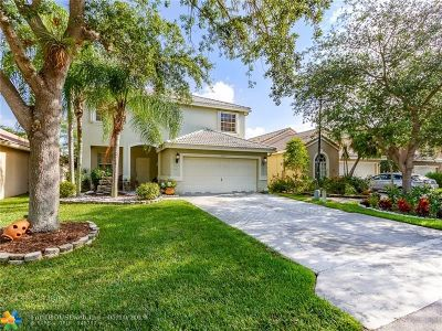 Coconut Creek Single Family Home For Sale: 5141 Heron Pl