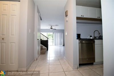 Sunrise Condo/Townhouse For Sale: 9325 NW 45th St #9325