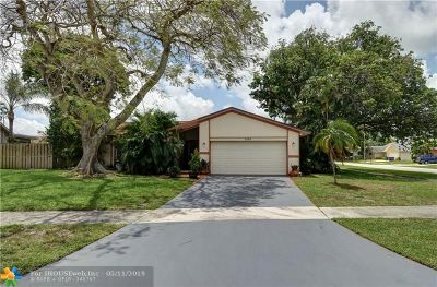 Deerfield Beach Single Family Home For Sale: 2734 SW 14th Ct