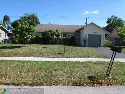 Lauderhill Single Family Home For Sale: 8540 NW 45th St