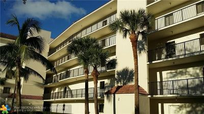 Delray Beach Condo/Townhouse For Sale: 2105 Lavers Cir #108