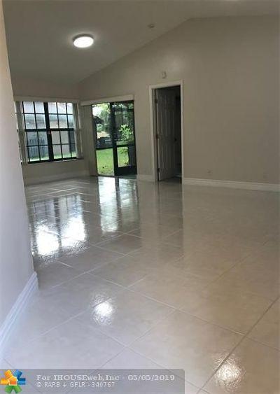 Plantation Condo/Townhouse For Sale: 9323 W Sunrise Blvd #9323