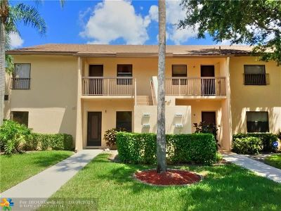 Coconut Creek Condo/Townhouse For Sale: 4287 S Carambola Cir #2685