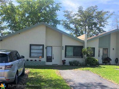 Delray Beach Condo/Townhouse For Sale: 3926 S Arelia Dr S #3926