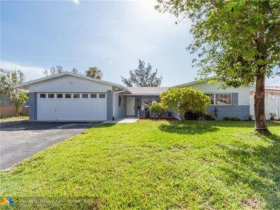 Pompano Beach Single Family Home For Sale: 944 SE 10th Ct
