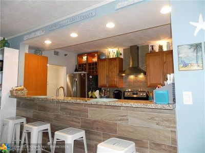 Hollywood Condo/Townhouse For Sale: 3850 Washington St #402
