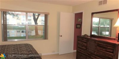 Sunrise Condo/Townhouse Backup Contract-Call LA: 9301 Sunrise Lakes Blvd #104