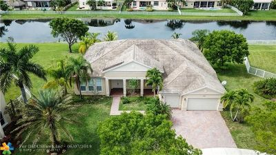 Cooper City Single Family Home For Sale: 4757 Citrus Way