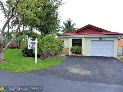 Hialeah Single Family Home For Sale: 17341 NW 63rd Ave