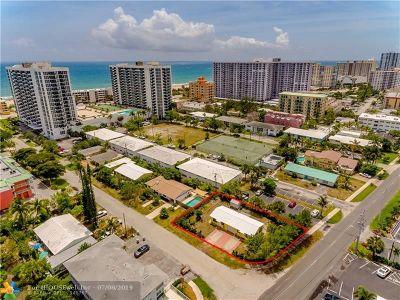Pompano Beach Multi Family Home For Sale: 3200 NE 5th Ct