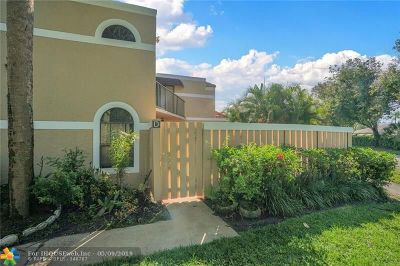 Delray Beach Condo/Townhouse For Sale: 4145 Village Dr #D