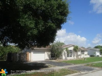 Margate Single Family Home For Sale: 531 SW 62nd Way