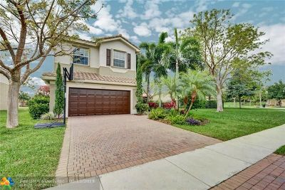 Boynton Beach Single Family Home For Sale: 8316 Calabria Lakes Dr