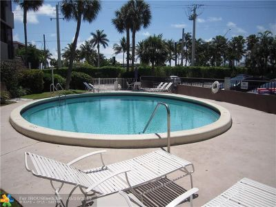 Pompano Beach Condo/Townhouse For Sale: 777 S Federal Hwy #907-F