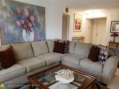 Boca Raton Condo/Townhouse For Sale: 8553 Boca Glades Blvd #C