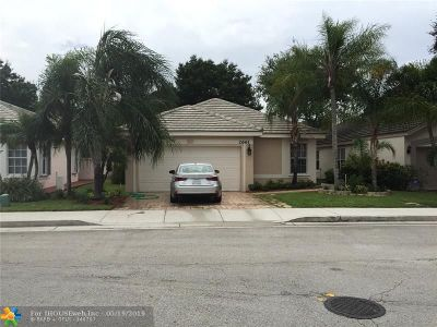 Davie Single Family Home For Sale: 2661 Lake Park Cir