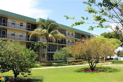 Deerfield Beach Condo/Townhouse For Sale: 806 SE 7th St #406C