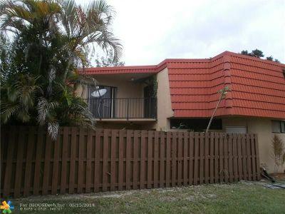 Boca Raton Condo/Townhouse For Sale: 23006 Oxford Pl #D