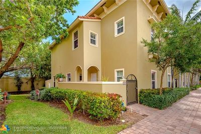 Tamarac Condo/Townhouse For Sale: 2851 W Prospect Rd #408