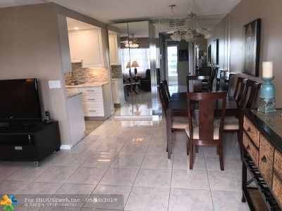 Deerfield Beach Condo/Townhouse For Sale: 4010 Swansea A #4010