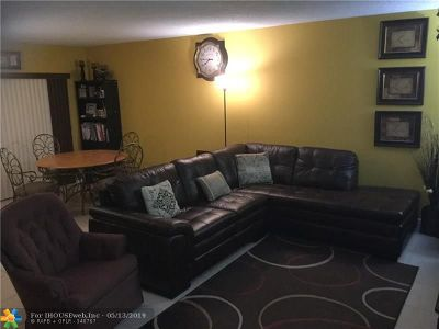 Lauderhill Condo/Townhouse For Sale: 4042 NW 19th St #104