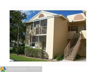 Deerfield Beach Condo/Townhouse For Sale: 640 Cypress Club Way #12C