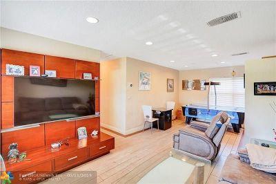 Oakland Park Single Family Home For Sale: 661 NE 59th St