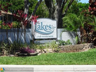Oakland Park Condo/Townhouse For Sale: 2737 S Oakland Forest Dr #204
